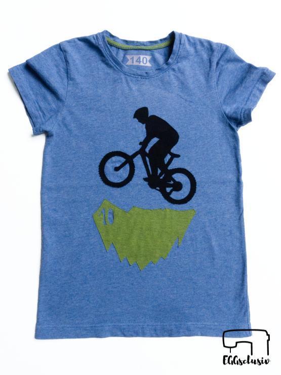 EGGsclusiv: Geburtstagsshirt mit Mountainbike Applikation zum 10. Geburtstag, Freebook Immergrün von Firlefanz