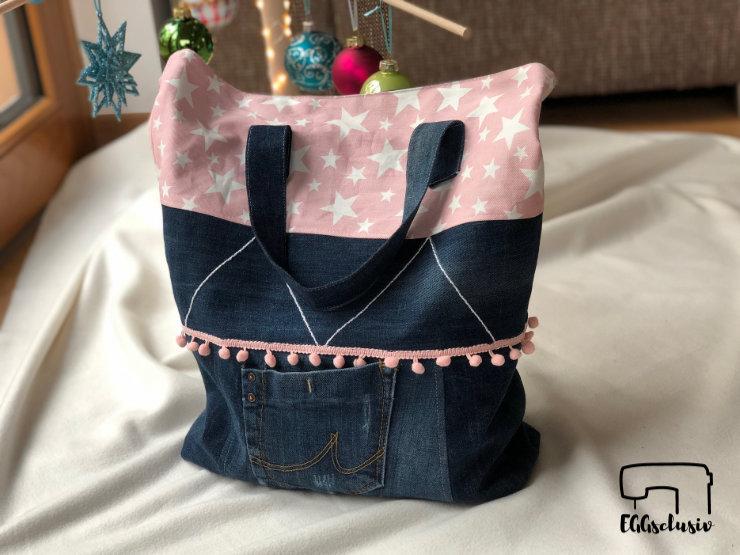 EGGsclusiv: Tasche nähen, Adventskalendertasche 2018 MixMich von Farbenmix als Jeans-Upcycling mit rosa Sternen