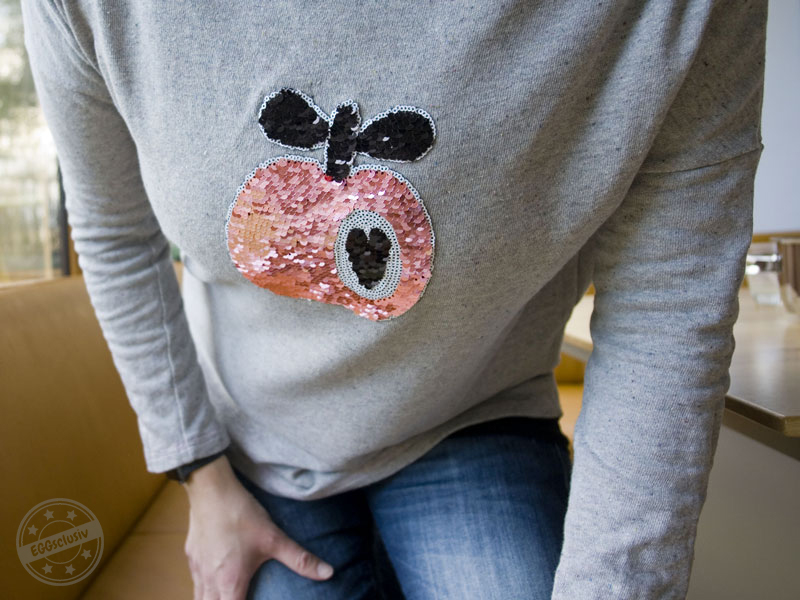 EGGsclusiv: AUFREISSER.pulli - leni pepunkt mit Hambuger Liebe Apfel Wendepailletten