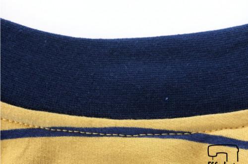 Bündchennaht versäubern mit der Coverlock, Streifen feststeppen