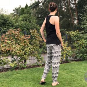 EGGsclusiv: Sommerhose und Top nähen, EasyJersey Trousers - Love Sewing Mag, MamaSun - Aefflyns to Go, Schnittmuster Freebook, schwarz-weiß