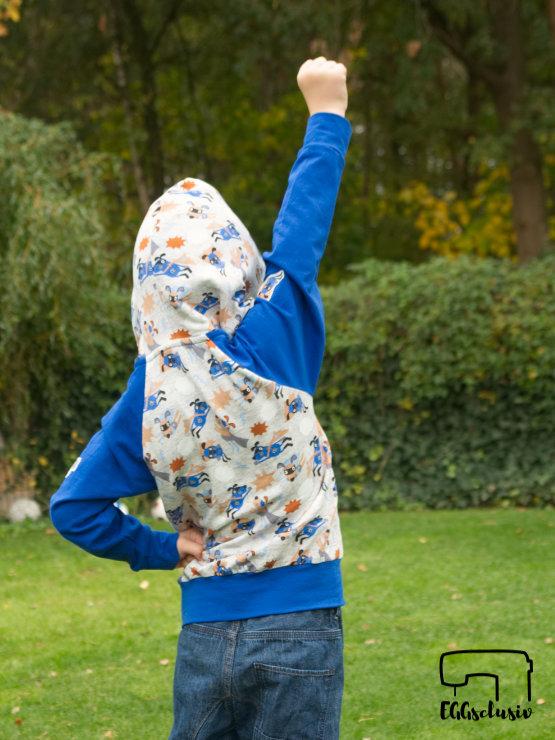 EGGsclusiv: Raglanpullover mit Heldenkapuze