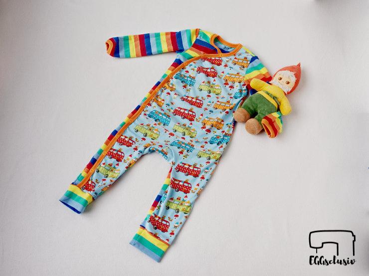 EGGsclusiv: Schlafanzug nähen, Schnittmuster Wickelanzug (Nähen mit Jersey Babyleicht) - Klimperklein, Stoffabbau