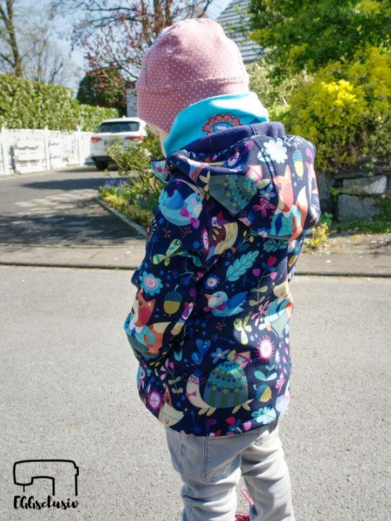 EGGsclusiv: Schnabelina Softshelljacke nach dem Freebook nähen als Frühlingsjacke für ein Mädchen nähen.