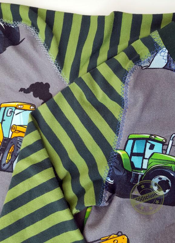 EGGsclusiv: Geschwisteroutfit aus Shirt Steampunk aus der Ottobre 6/2015 nähen aus Treckerstoff