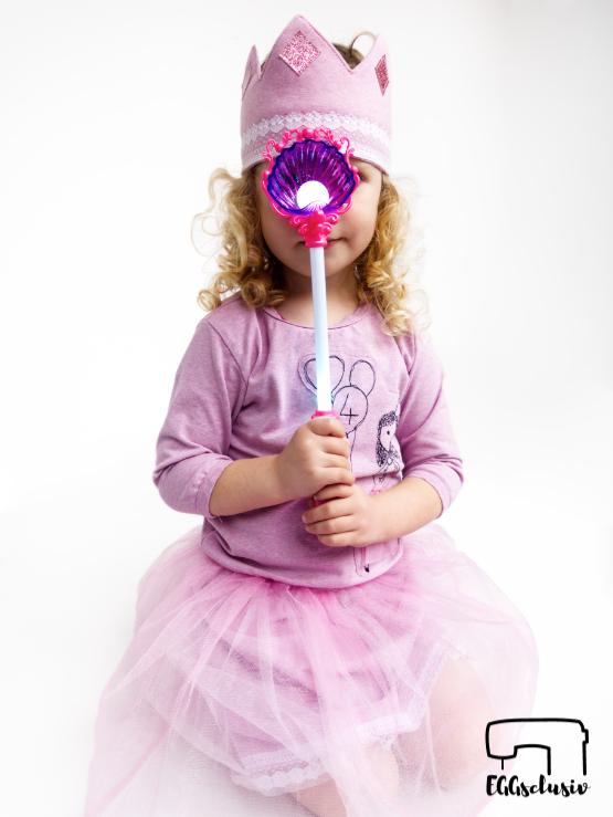 EGGsclusiv: Geburtstagsoutfit Prinzessin aus Jerseyshirt Wild Grrr, Tüllrock und Krone nähen für Mädchen