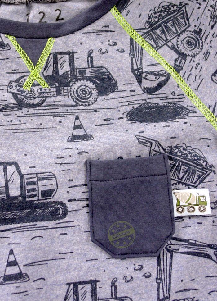 EGGsclusiv: kurze Hose und Raglanshirt nach Schnitten von Klimperklein nähen für Jungs aus Lillestoff Baustelle, Detail Shirt mit Brusttasche